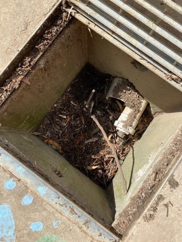 gallant plumbing cleaning gutter blocking pit
