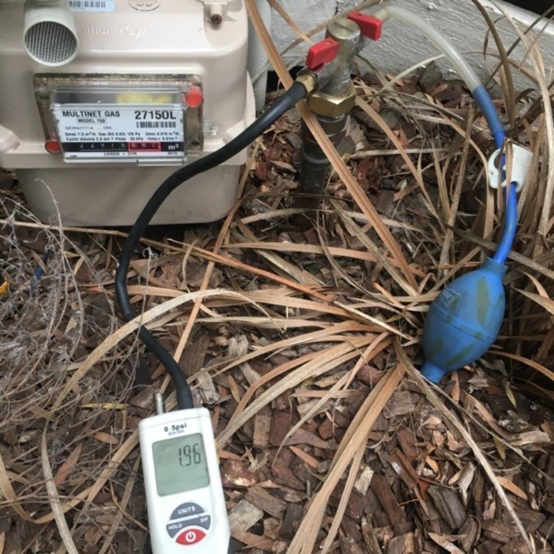 Plumber Melbourne, Caulfield, Manometer Test Started